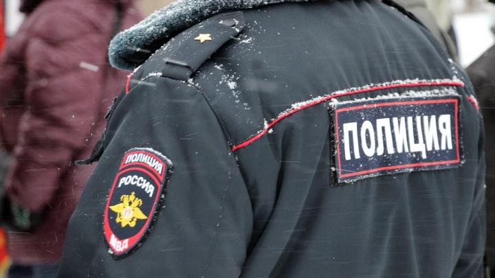 В Омске ищут водителя, который сбил двух пешеходов и скрылся с места аварии