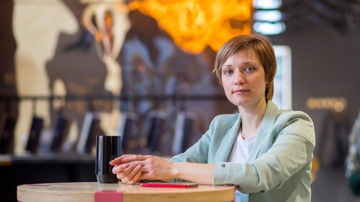 «Я и сама стояла в цехе в сапогах, разделывала рыбу»: бизнесвумен открыла уникальный ресторан в разгар пандемии