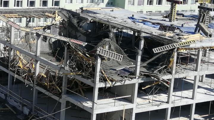 В Екатеринбурге обрушилась крыша у строящегося здания школы