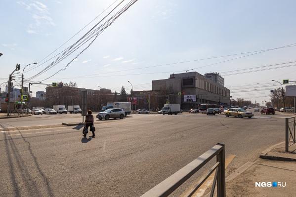Пересечение улиц Немировича-Данченко и Сибиряков-Гвардейцев