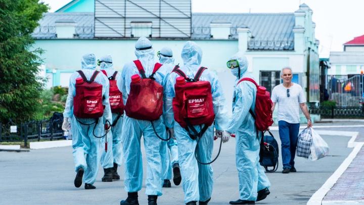 Более 800 койко-мест, занятых пациентами с COVID-19, и закрытое почтовое отделение: хроники пандемии