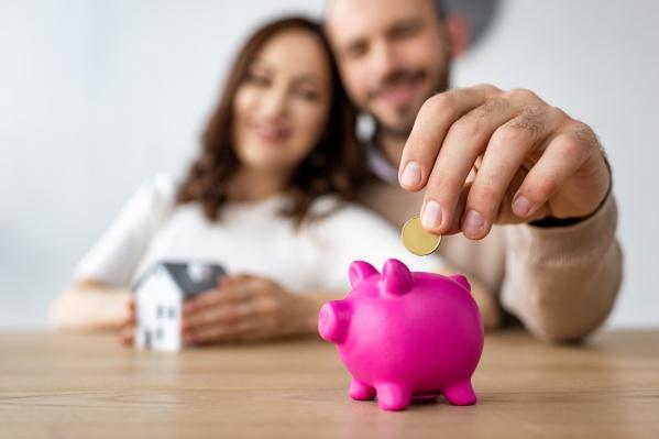 Часто люди боятся брать кредит из-за неопределенности в экономике и личных планах
