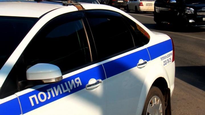 Бабушка с кинжалом: в Новосибирске пенсионерка воткнула нож в молодого сожителя