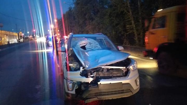 Пешеход погиб под колесами легковушки на Хилокской — он переходил дорогу в неположенном месте