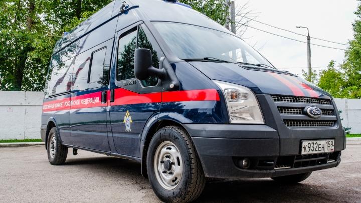 Под Пермью нашли убитого таксиста. Полиция задержала подозреваемого — он сбежал из психиатрической клиники