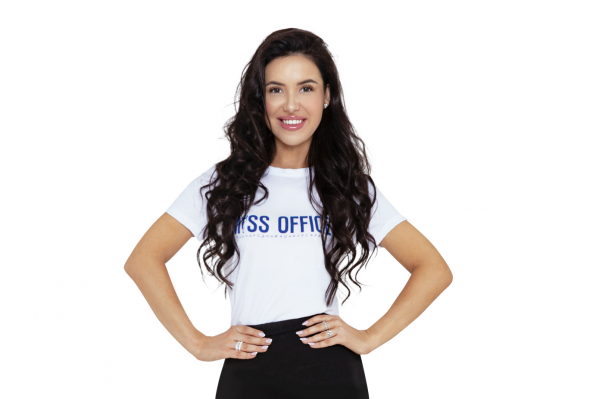 Рост Оксаны —168 сантиметров, она любит спорт и бальные танцы