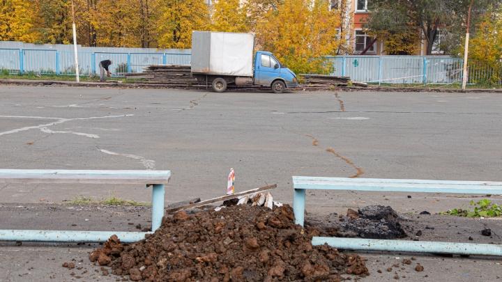 На ремонт дворовых хоккейных коробок в Челябинске потратят 30 млн. Мастер-классы в них дадут игроки «Трактора»