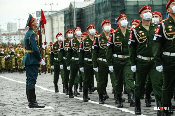 В параде примут участие пехота, механизированная колонна, авиация и дажевоенный театр на колесах