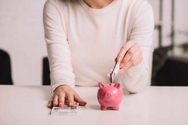 Покупать валюту или нет? Пожалуй, этот вопрос в 2020 году экспертам задавали чаще обычного. И ответ на него есть в этом тексте