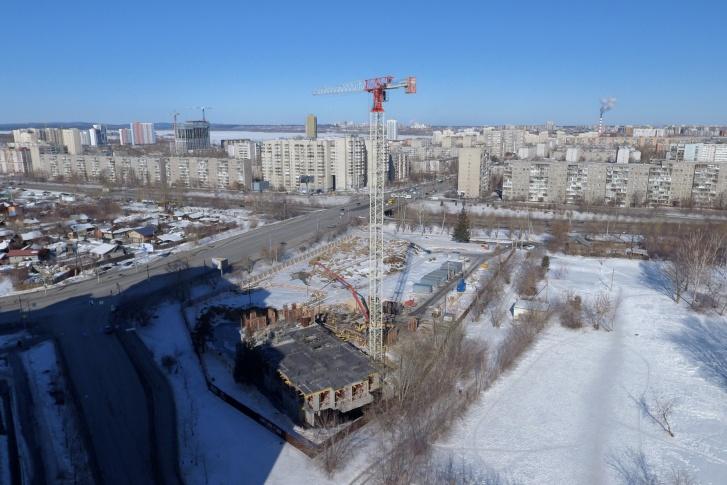 Из окон квартир на верхних этажах будет виден Верх-Исетский пруд