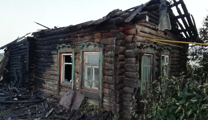В Тюменской области мужчина поджег дом бывшей супруги, потому что увидел ее с другим