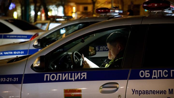 В Волгограде лихач на иномарке протаранил две легковушки
