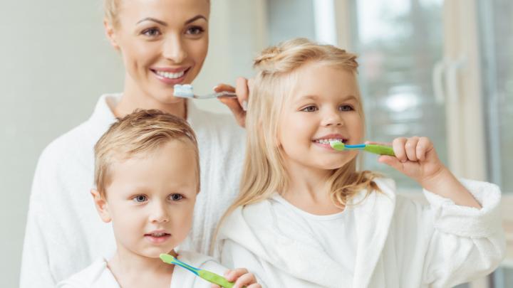 «Прощай, шоколадка, привет, морковка»: знает ли ваш ребенок, как следить за здоровьем зубов