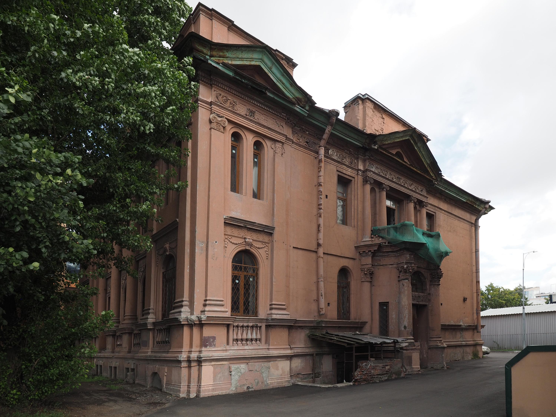 Здание до ремонта