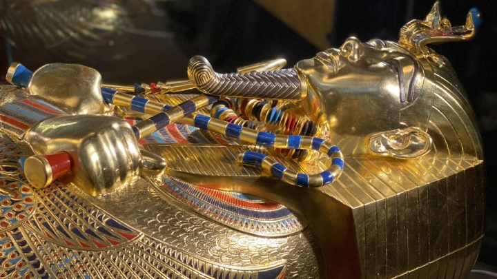 «Золотые саркофаги и парадная колесница»: в Пермь привезут сокровища гробницы Тутанхамона