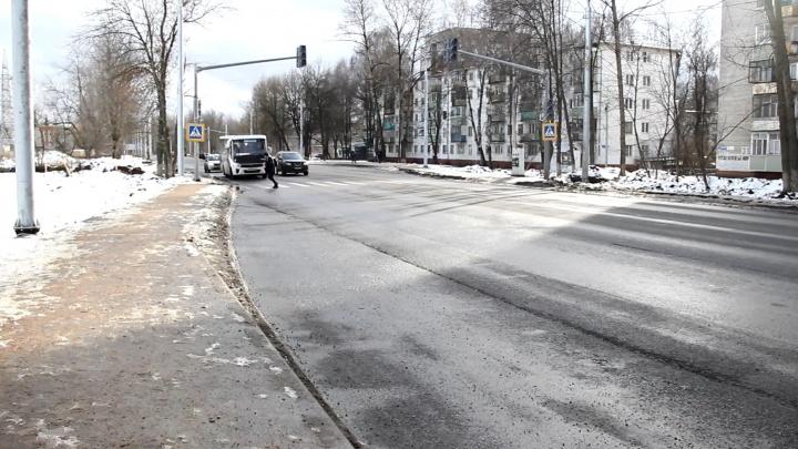 Журналист 76.RU поспорил с подрядчиком о качестве ремонта Тутаевского шоссе