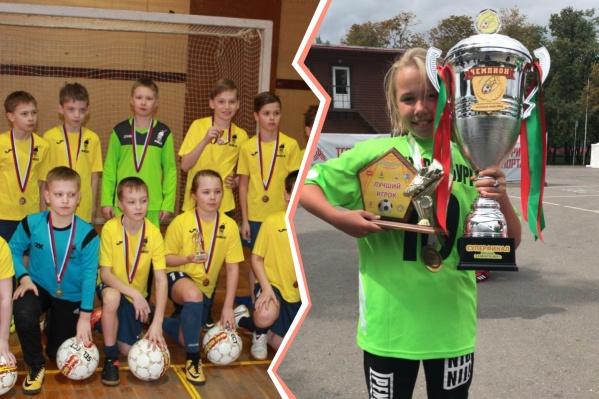 Арина Акатьева с командой «Факел-08» и с чемпионским кубком с летнего турнира «Локобол» в Москве— там Арина играла в команде девочек