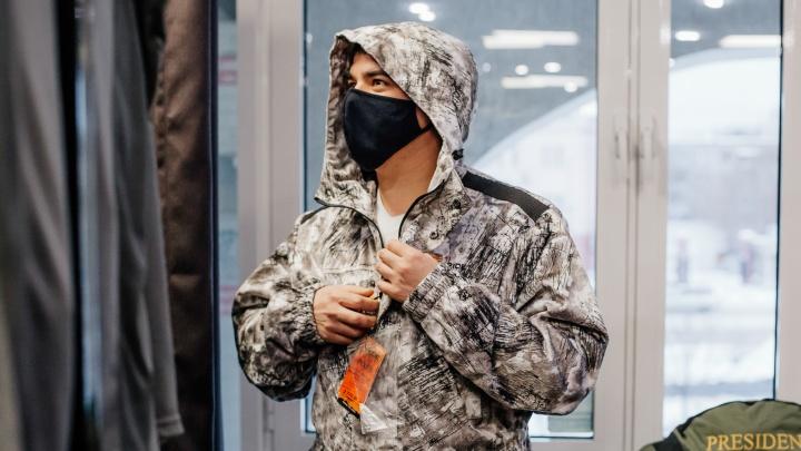 На природу — в любую погоду: где в Екатеринбурге найти качественную и доступную одежду для отдыха