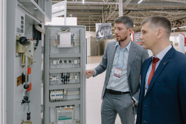 Губернатор Дмитрий Махонин и генеральный директор «Уралкалия» Дмитрий Осипов подписали соглашение о взаимодействии компании с региональными предприятиями