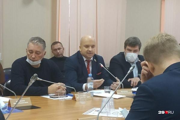 Депутат от КПРФ Ростислав Васильев выступил с речью в поддержку прямых выборов мэра
