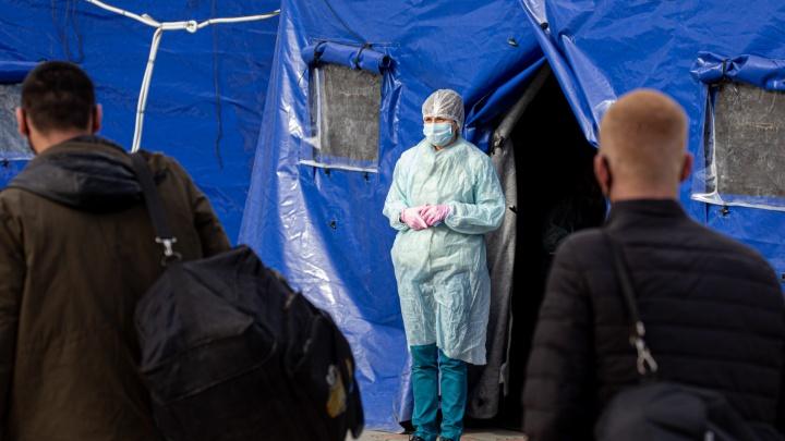 В статистику челябинского Минздрава за сутки попали 5 умерших с коронавирусом. Одному было 53 года