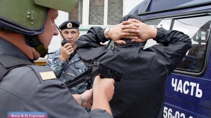 Полиция попросила уральцев сдавать наркопритоны и наркодилеров