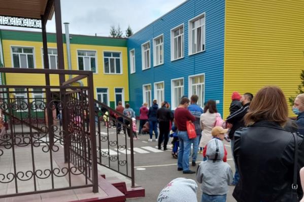Со 2 сентябряв омских школах и детских садах ежедневно проводят утренние фильтры