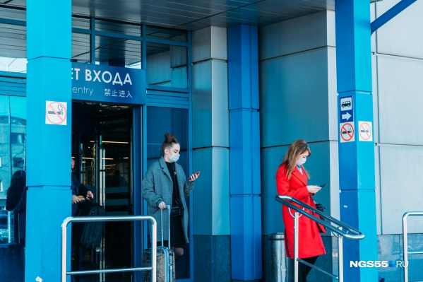 За минувшие сутки в Омске приземлилось всего три самолёта