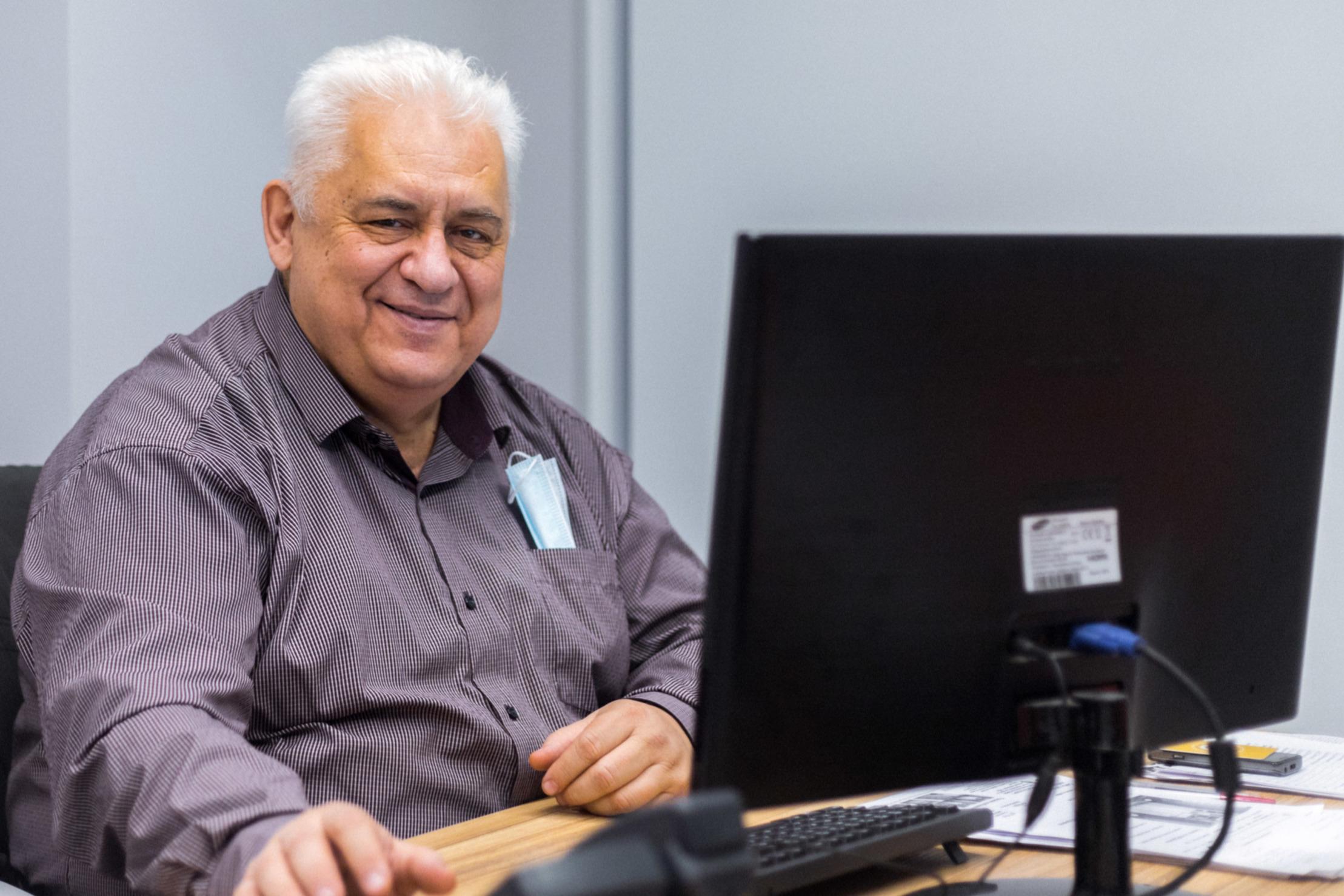Михаил Юрьевич Афанасьев,заместитель директора по среднему общему образованию