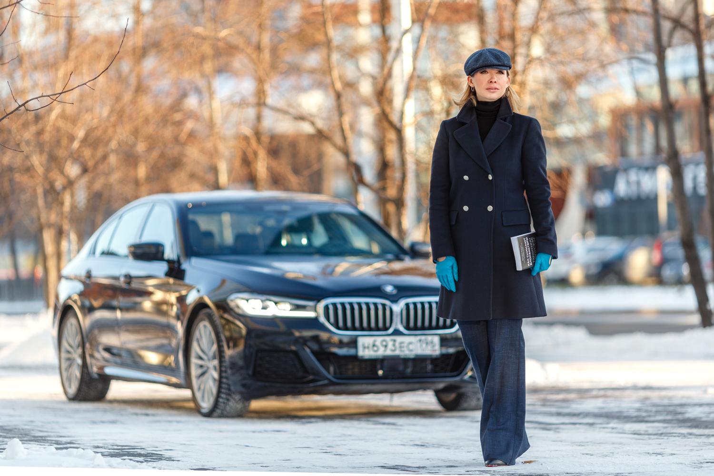 «Время меняет лидера. Лидер меняет всё» — слоган BMW 5-й серии, вдохновивший Ольгу Чебыкину на специальный выпуск