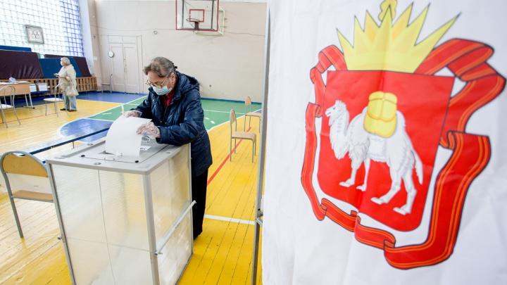 На голосовании по Конституции избиратели пытались вынести бюллетени с участка в Челябинской области