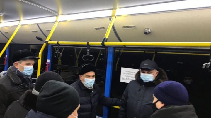 Цивилёв всё же приехал в Новокузнецк. Там идут протесты против транспортной реформы