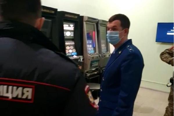 Где в самаре есть игровые автоматы игровые автоматы java на обычный телефон