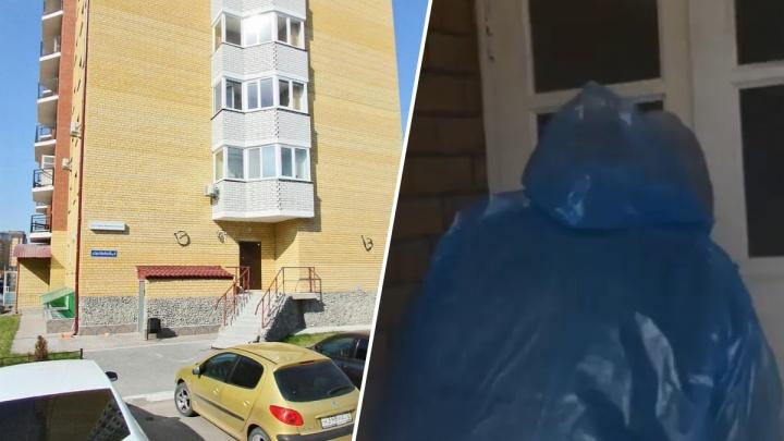 В Тюмени житель дома хотел проконтролировать работу дезинфектора и нарвался на драку