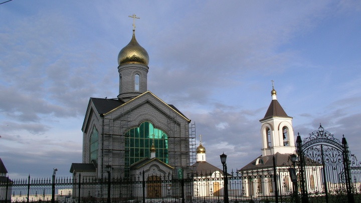 Сильный пожар в центре Волгограда едва не уничтожил церковь