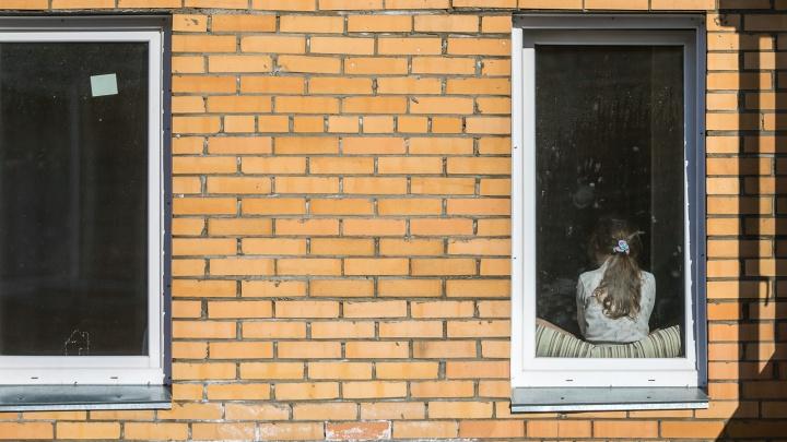 Коронавирус обнаружили у 14-летней девочки из интерната: состояние ребёнка