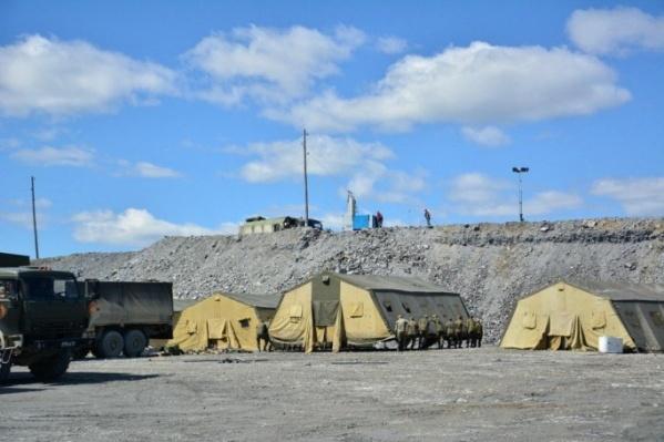 Военные сделали палаточный городок в Еруде, чтобы оказывать помощь зараженным коронавирусом