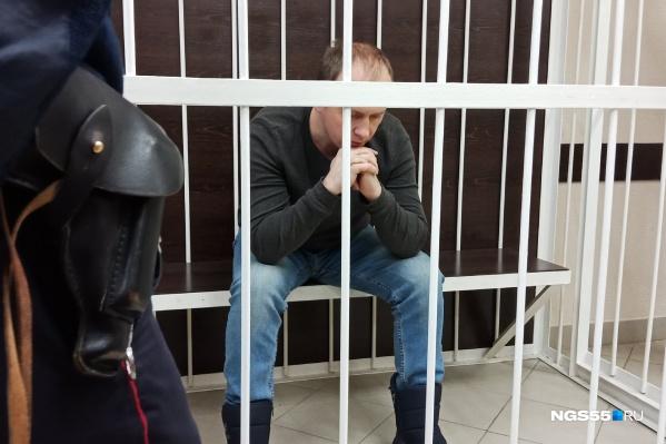 Сергей Казаков на сегодняшнем заседании публично извинился перед пасынком