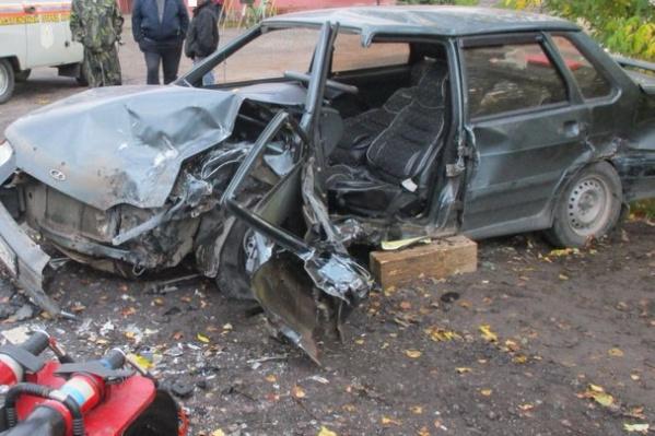 В результате аварии пострадали два человека