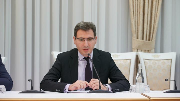 Министр Бенян предложил перевести всех школьников Самарской области на дистанционку