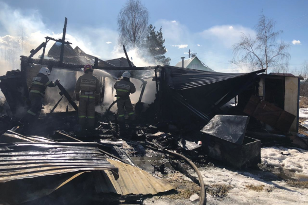 Причиной пожара в дачном домике называют неисправность печи