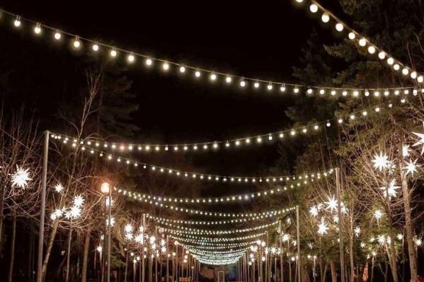 Колония займется подготовкой площадок к размещению новогодней иллюминации по всему Челябинску
