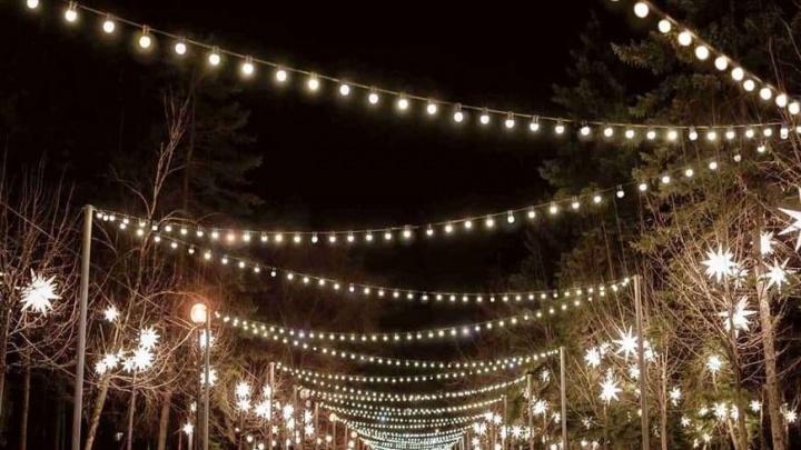 Чиновники без конкурса отдали колонии многомиллионный контракт на новогоднее оформление Челябинска