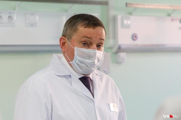 Губернатор уверен, что все волгоградцы старше 65 уже получают лекарства, и предложил обеспечить препаратами всех пациентов, лечащихся на дому