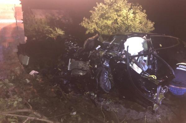 Погибли 19-летний водитель и два его сверстника