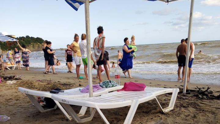 Что творится на пляжах в Сочи: прямой эфир с российского юга
