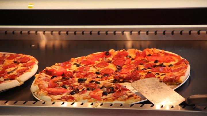 На месте пяти бывших заведений New York Pizza появились вывески новой сети пиццерий