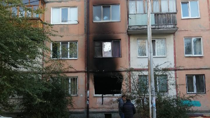 Четверо жильцов хрущевки на КПД пострадали в ночном пожаре
