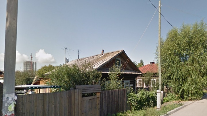 В Перми в частном жилом доме обрушилась крыша