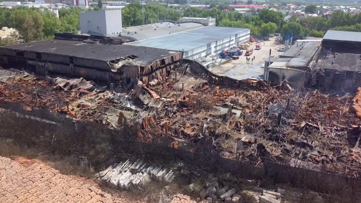 «Причинён вред окружающей среде»: следователи начали проверку по пожару на складах в Самаре